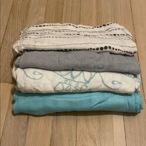 Aden and anais bundle of 4 blankets